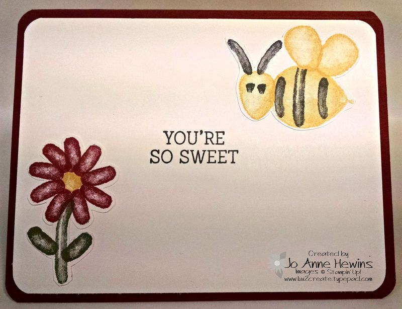 Balloon builders flower and bee inside of card